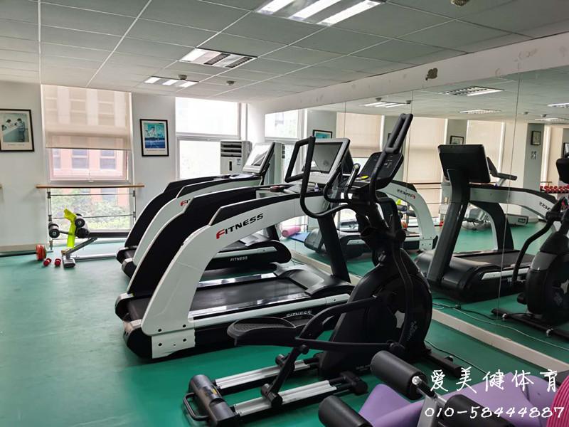总部基地员工某单位活动室健身房