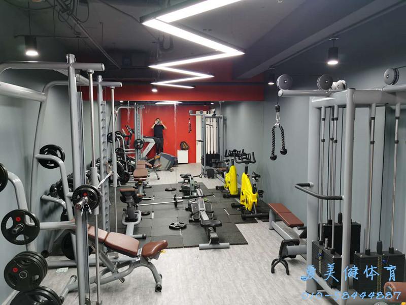 HOOLI企业员工健身房